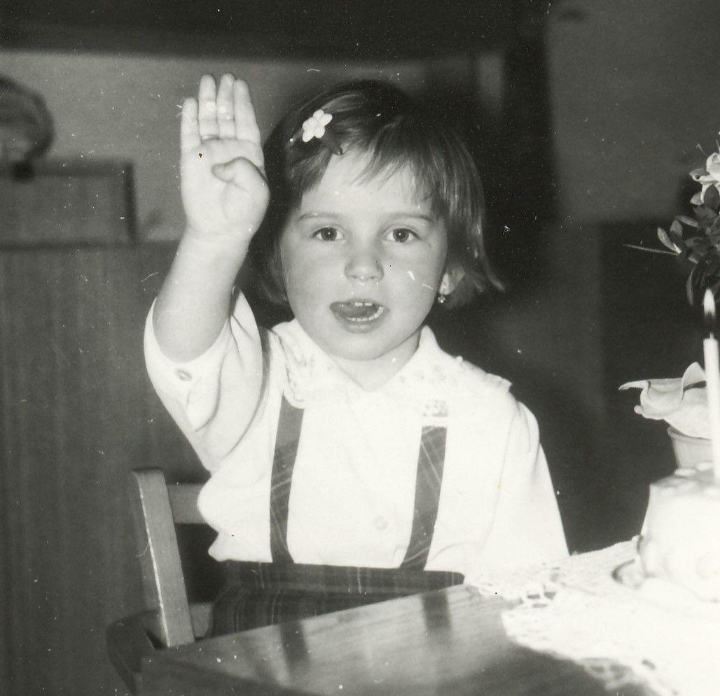 Vyrůstala jsem jako poslušná holčička